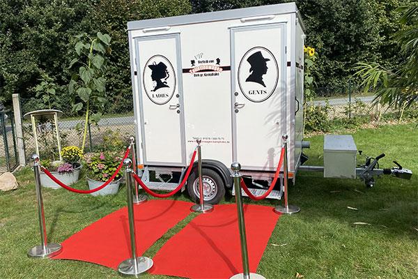 """Aussenansicht VIP-Toilettenwagen """"Klein"""""""