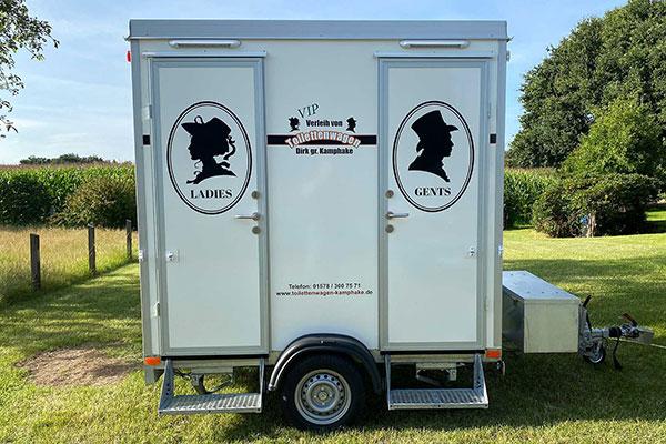 """Aussenansicht des Toilettenwagen """"Klein"""""""