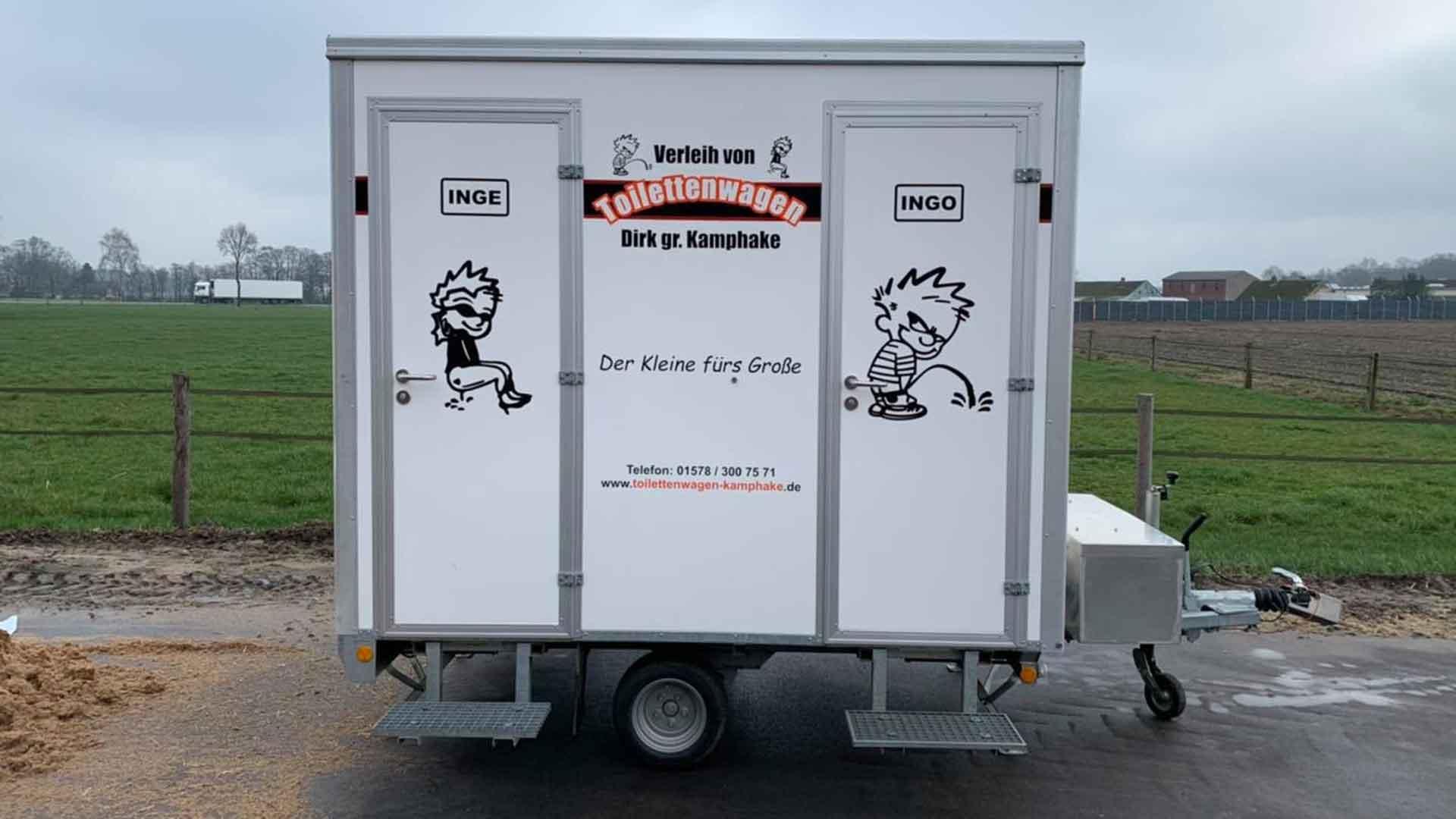 Der Toilettenwagen Klassiker im Einsatz als Baustellentoilette